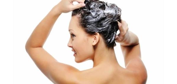 shampo capelli grassi massaggi