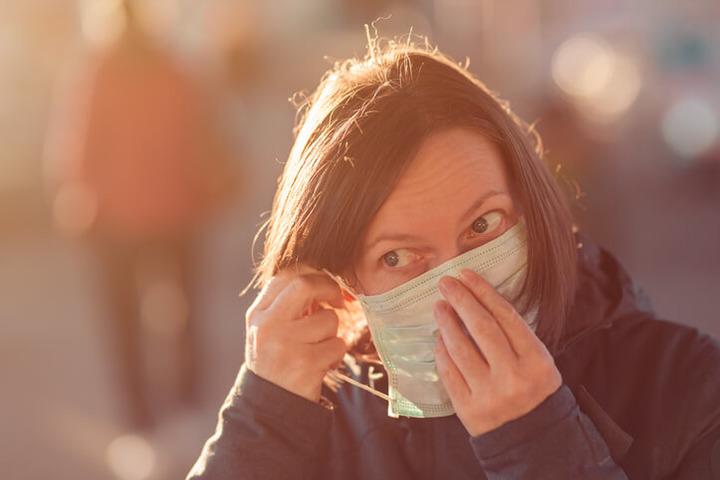 Inquinamento atmosferico e salute dei capelli: come sono collegati?